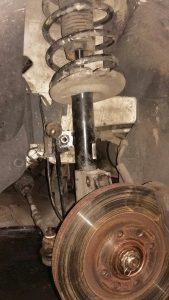 wymiana amortyzatorów i sprężyn Renault Peugeot Citroen